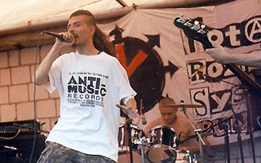 "Панк-пикник ""Totalny Rozpierdol Systemu"" возле Варшавы (23.07.1998)"